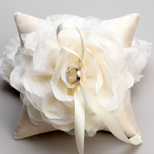 Ring Pillow Isabella Style